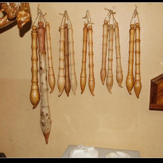 筆のような木製インテリア(文昌筆)【台湾産ヒノキ】 36±2cm