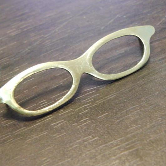 真鍮製 メガネ型 ハットやバッグにピンズブローチ