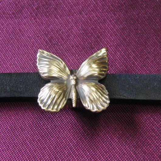真鍮製 蝶型帯留め 着物や浴衣の帯どめ飾りに