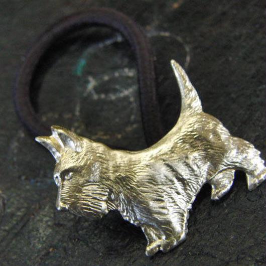 真鍮製 犬型ループコンチョ/ヘアゴム付き/縫い留めで飾りとして