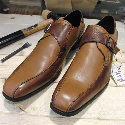 ライトブラウン&ブラウン 工房染色の牛本革モンク靴
