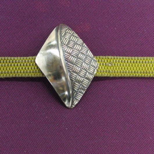 真鍮製 網目型押し帯留め 着物や浴衣の帯どめ飾りに