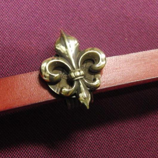真鍮製 フレア・ユリ型帯留め 着物や浴衣の帯どめ飾りに
