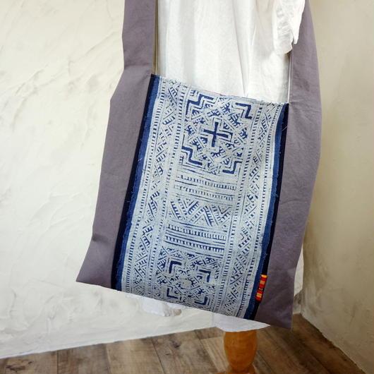 タイの藍染と国産キャンバスのショルダーバッグ(D)