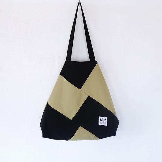 flag bag(ベージュ・ブラック)