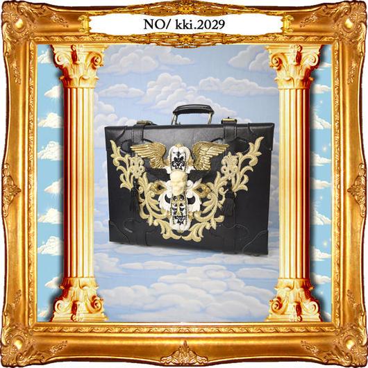 kki.2029 スカルウィングブラックカスタムトランク。