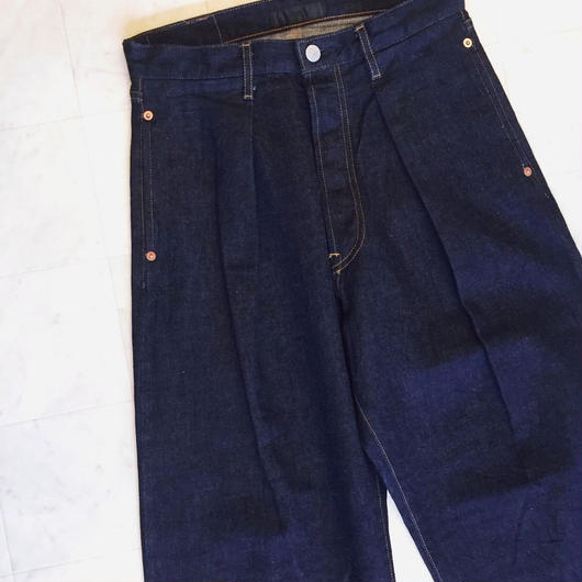 【 JOSWICK 】PLEATED DENIM