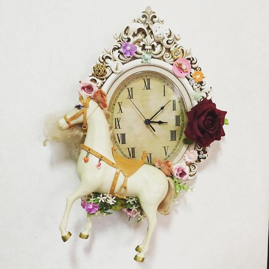 Flower horse clock