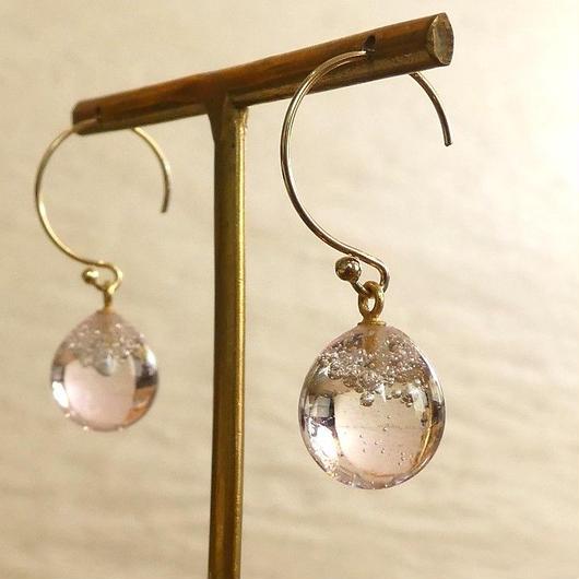 ガラスの泡玉 桜色ピアス