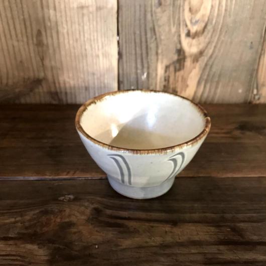 白掛 櫛描碗 / 延興寺窯 E203