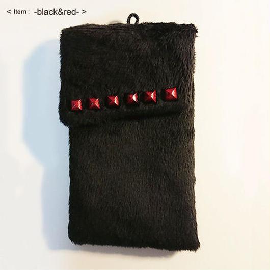 ふわもこポーチ  - black&red -