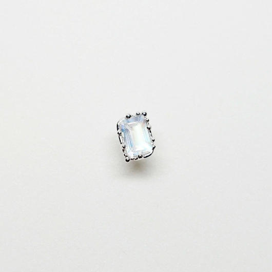 Silver(RH) Single earring (Royal blue moon stone)