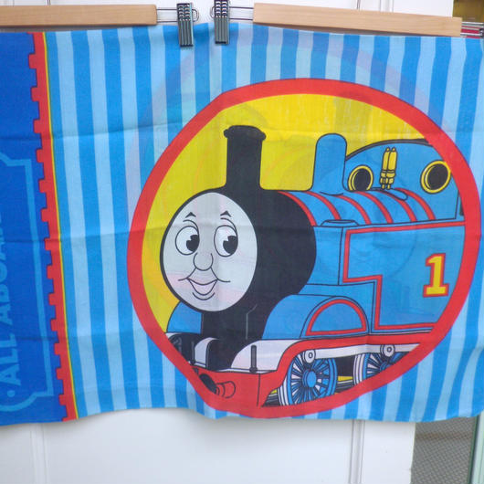 【USED】Thomas & Henry Pillow Case