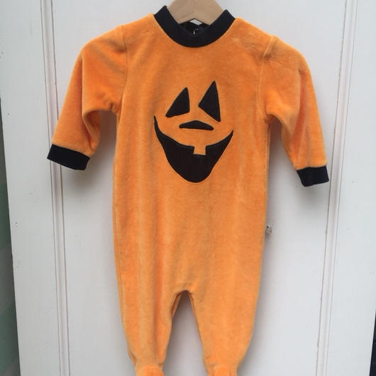 291.【USED】halloween rompers