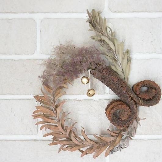 Ethnic wreath
