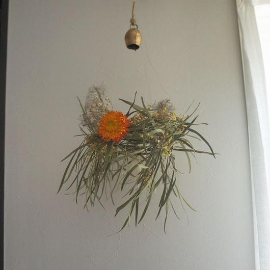 Mimosa wind-bell wreath C