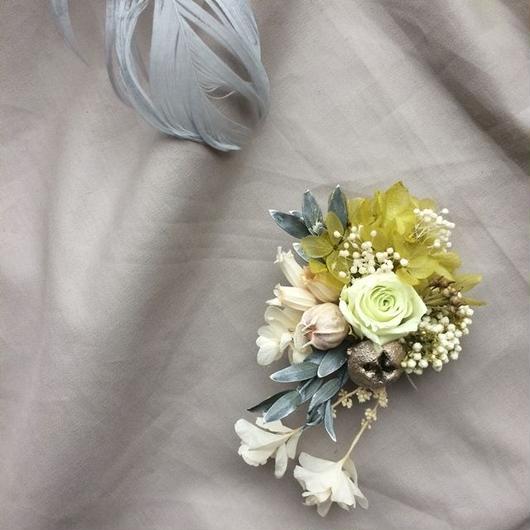 Mini greenrose corsage