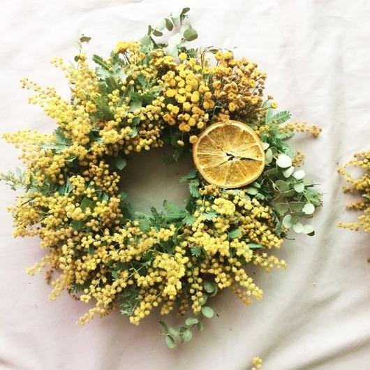 Fresh mimosa&orange wreath