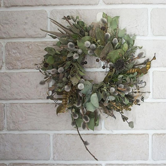 Pussy willow and dry eucalyptus wreath