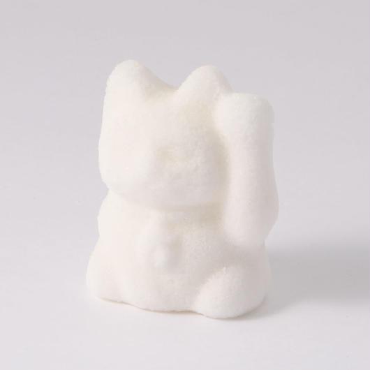 塩の手作り招き猫(左手で人と客を招く)品番1953-5
