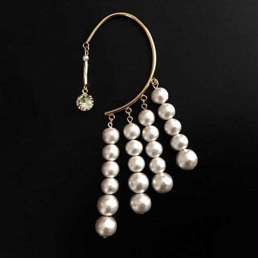 """LYS -fantasia for your dress- """"Lien""""イヤーフック [white  (スワロ:luminous green ) ]"""