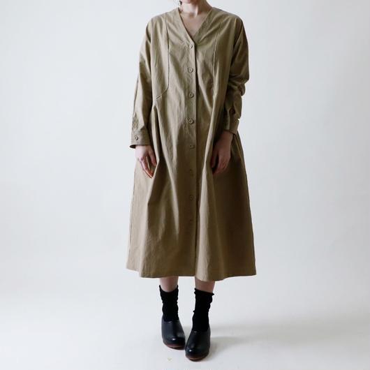 【受注生産 / 約2ヶ月半後のお届け】MAGALI Vネック・コートワンピース/ベージュ