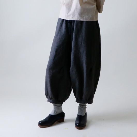 【受注生産 / 約2ヶ月半後のお届け】MAGALI パントル・リネン・パンツ/チャコール