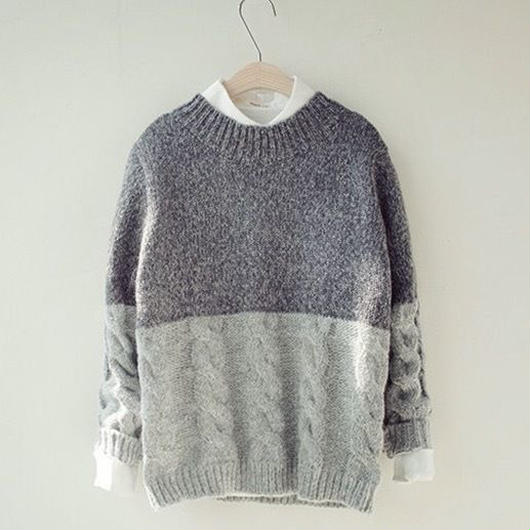 Gray2tone U neck knit