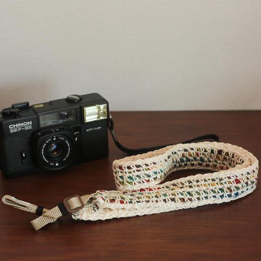 【てしごと屋】世界にひとつだけの、手編みカメラストラップ<グリーンガーデン>