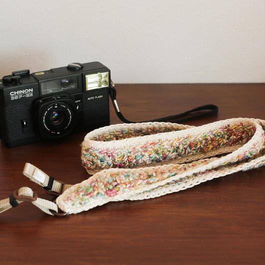 【てしごと屋】丁寧に手編みした、カメラストラップ<春のキャンディーカラー>
