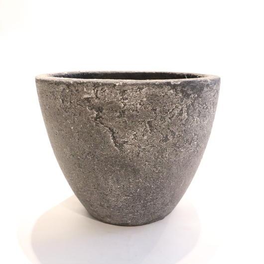 Black pot B