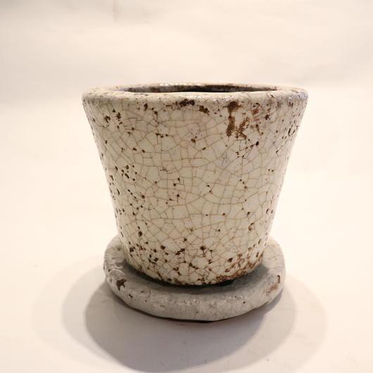 white pot C