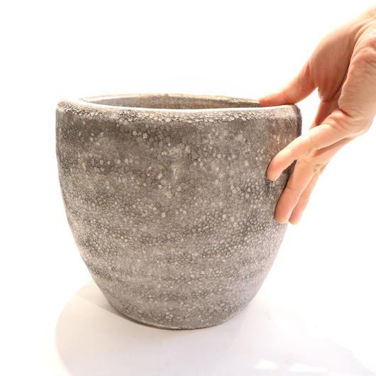 Black pot A