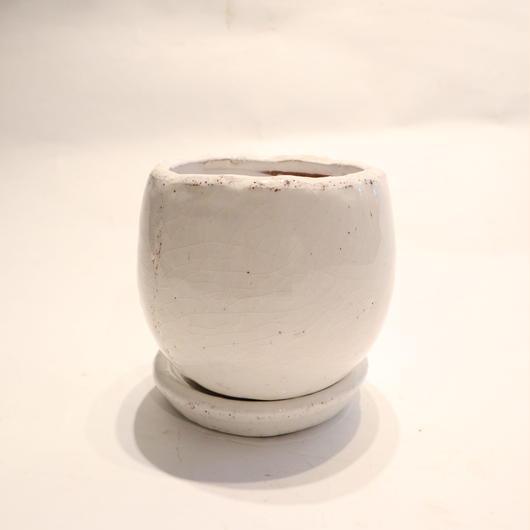 white pot B