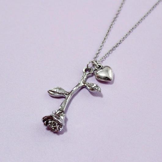 ローズハートネックレス/ Rose Heart Necklace