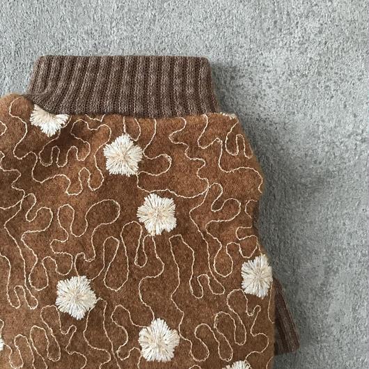 wool flower tops . [ camel ]