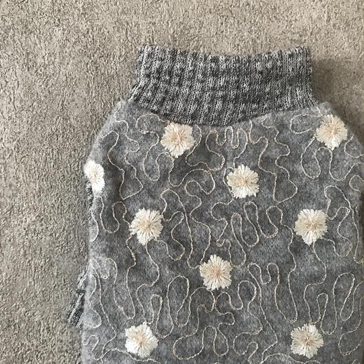 wool flower  tops . [ gray ]