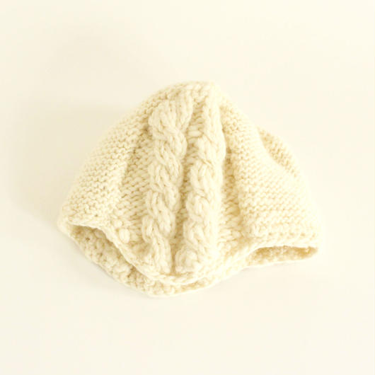 Cable Stitch Knit Cap (White)
