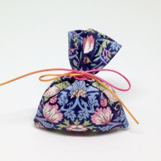 香り袋「あい」古典系の香り 4