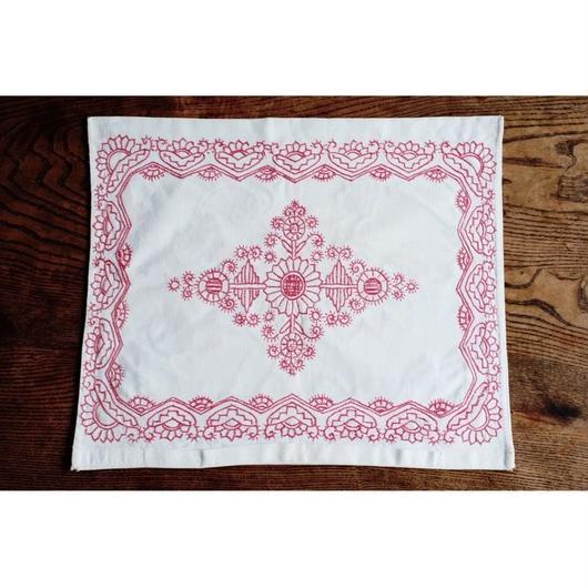 ハンガリーの古い刺繍クッションカバー