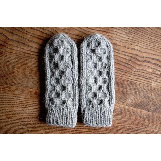 ロシアの手編みのミトン