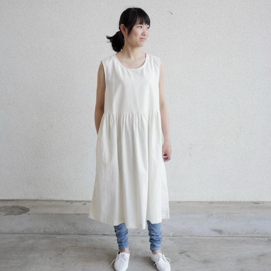 エシカルヘンプノースリーブロングドレス