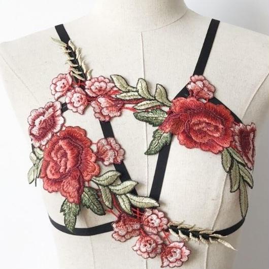【お取り寄せ】華麗な刺繍ブラジャー