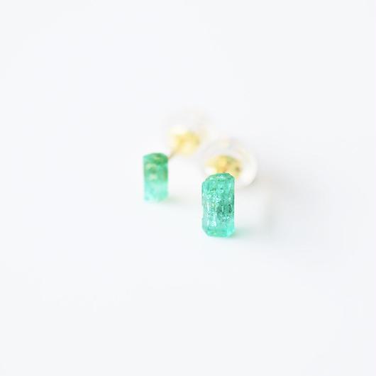 結晶ピアス/エメラルド