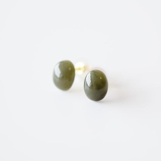 天然石ピアス/ネフライト