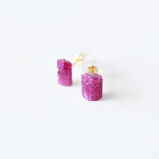 結晶ピアス/レッドベリル