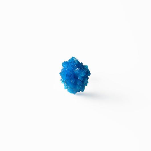 片耳ピアス/カバンサイト結晶