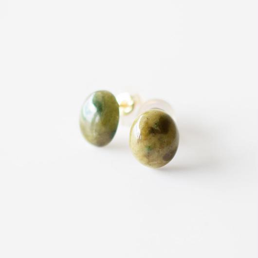 天然石ピアス/レルゾライト