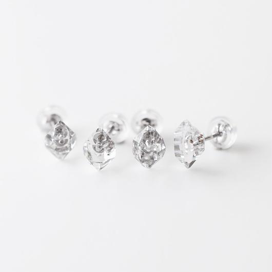 片耳ピアス/ダイヤモンド・クオーツ結晶