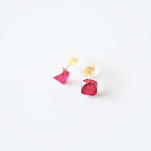 結晶ピアス/スピネル
